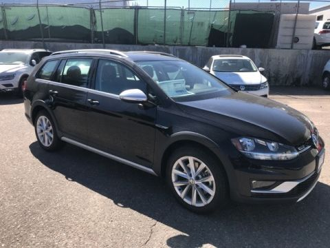 New 2018 Volkswagen Golf Alltrack S